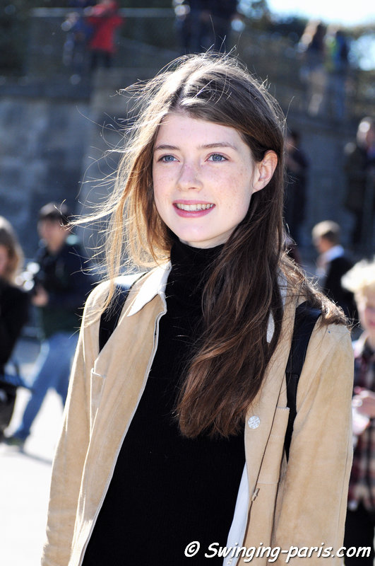 Jessica Burley outside Carven show, Paris S/S 2016 RtW Fashion Week, October 2015