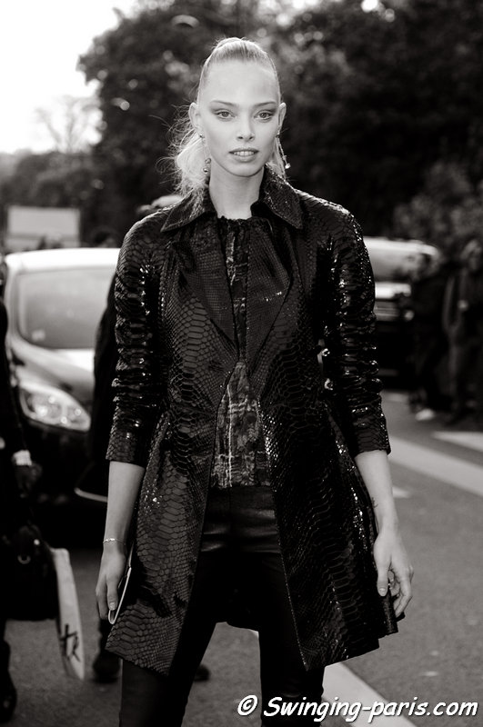 Tanya Dziahileva (or Dyagileva, Таня Дзягілева) leaving Louis Vuitton show, Paris S/S 2016 RtW Fashion Week, October 2015