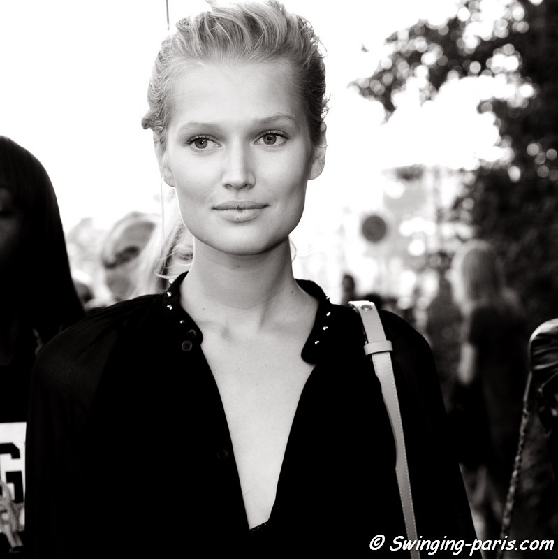 Toni Garrn outside Chanel show, Paris S/S 2015 RtW Fashion Week, September 2014