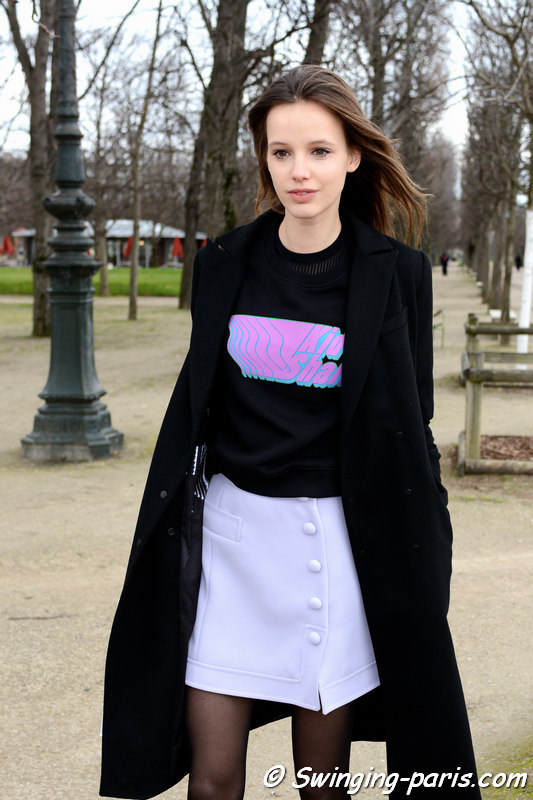 Heloise Giraud leaving Carven show, Paris FW 2016 RtW Fashion Week, March 2016