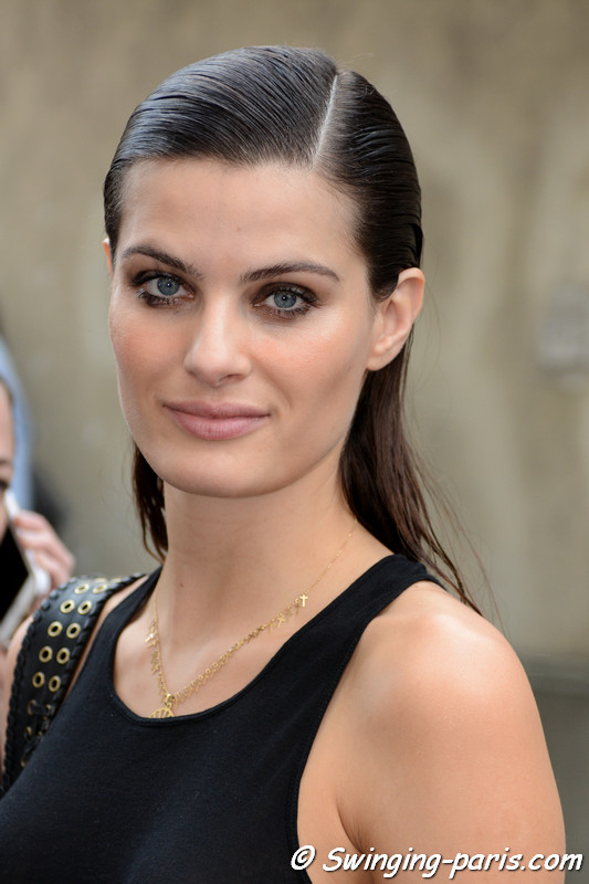 Isabeli Fontana leaving Balmain show, Paris S/S 2017 RtW Fashion Week, September 2016