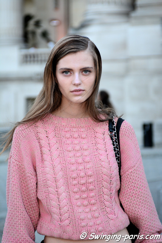 Nataliya Bulycheva leaving Shiatzy Chen show, Paris S/S 2017 RtW Fashion Week, October 2016