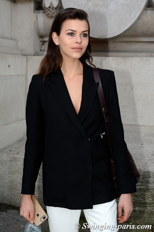 Georgia Fowler leaving Shiatzy Chen show, Paris F/W 2017 RtW Fashion Week, March 2017