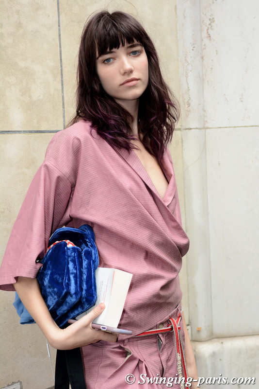 Grace Hartzel outside Chloé show, Paris S/S 2018 RtW Fashion Week, September 2017
