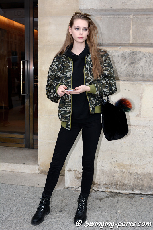 Lauren de Graaf outside Schiaparelli show, Paris Haute Couture SS 2017 Fashion Week, January 2017