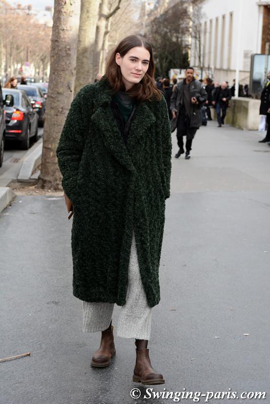Lea Issarni leaving Ellery show, Paris F/W 2017 RtW Fashion Week, March 2017