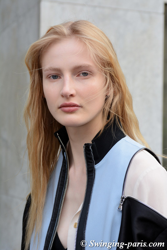 Leah Rödl leaving Giambattista Valli show, Paris S/S 2018 RtW Fashion Week, October 2017