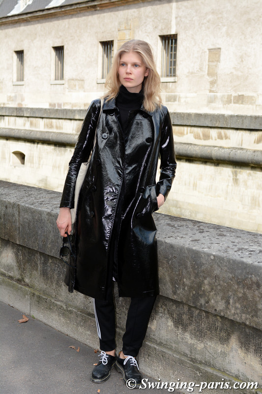 Ola Rudnicka outside Nina Ricci show, Paris S/S 2018 RtW Fashion Week, September 2017