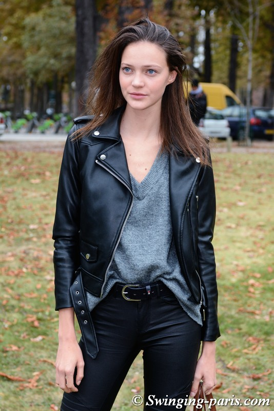 Anniek Verfaille leaving Beautiful People show, Paris S/S 2019 RtW Fashion Week, October 2018