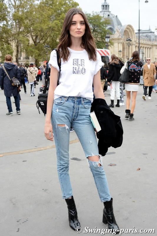 Carolina Thaler leaving Chanel show, Paris S/S 2019 RtW Fashion Week, October 2018
