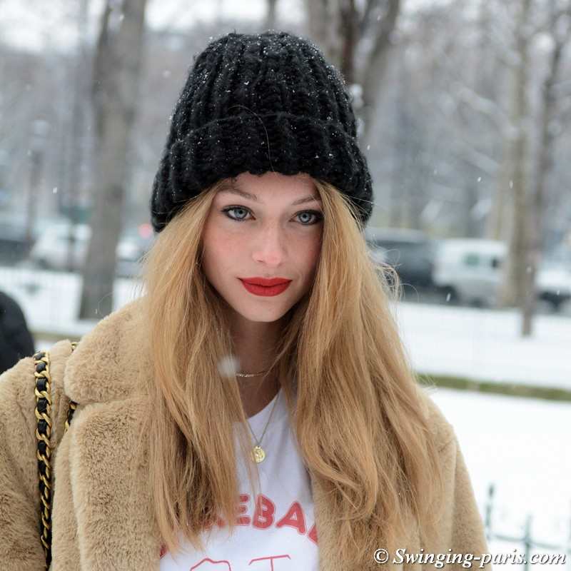 Lauren de Graaf outside Chanel show, Paris Haute Couture SS 2019 Fashion Week, January 2019
