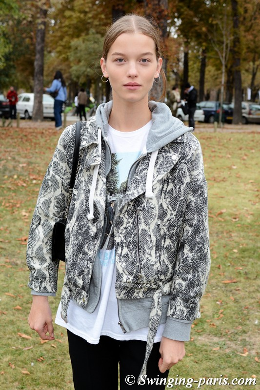 Laurijn Bijnen leaving Beautiful People show, Paris S/S 2019 RtW Fashion Week, October 2018