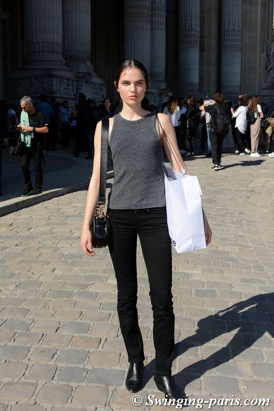 Lily Stewart leaving Paco Rabanne show, Paris S/S 2019 RtW Fashion Week, September 2018