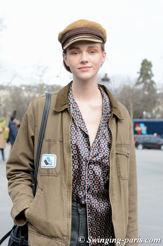 Natalie Ogg leaving Chanel show, Paris F/W 2018 RtW Fashion Week, March 2018
