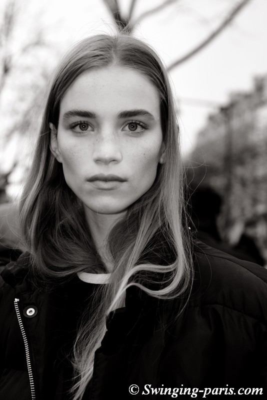 Rebecca Leigh Longendyke leaving Sacai show, Paris FW 2019 RtW Fashion Week, March 2019