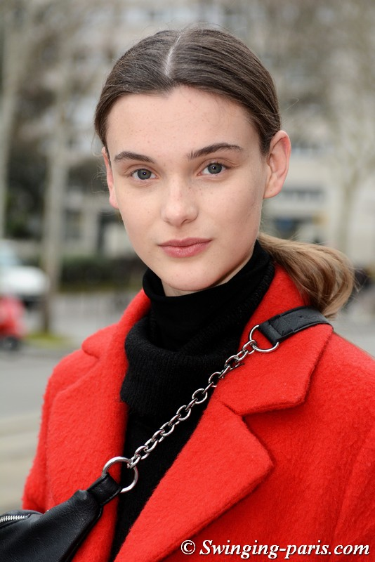 Sara Dijkink leaving Nina Ricci show, Paris FW 2019 RtW Fashion Week, March 2019