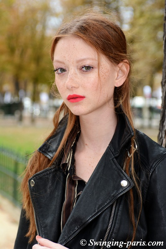Sara Grace Wallerstedt leaving Chanel show, Paris S/S 2019 RtW Fashion Week, October 2018