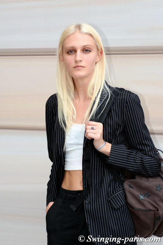 Abby Hendershot leaving Guy Laroche show, Paris S/S 2020 RtW Fashion Week, September 2019