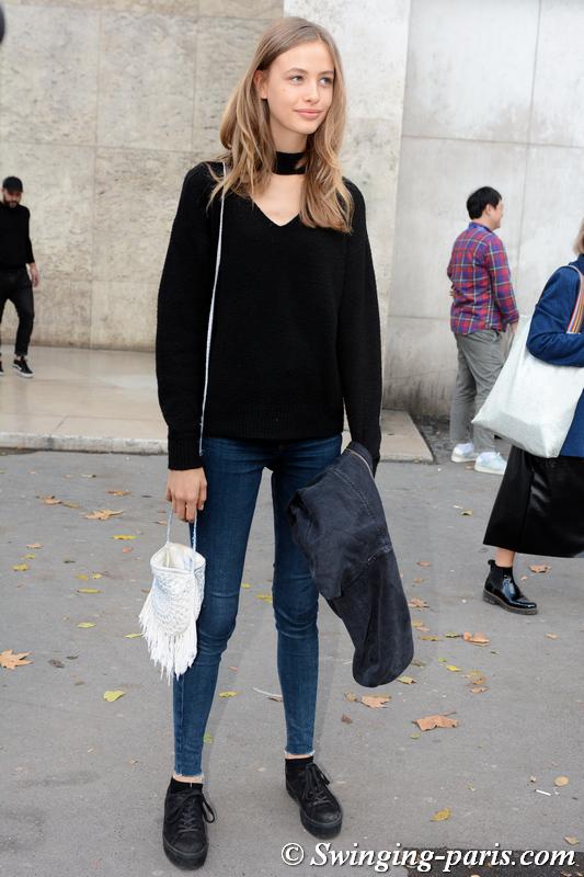 Tess Buitenhuis leaving Kristina Fidelskaya show, Paris S/S 2020 RtW Fashion Week, September 2019