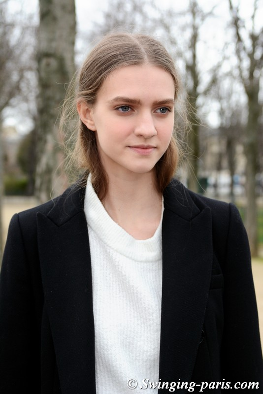 Vanessa Hartog leaving Chanel show, Paris FW 2019 RtW Fashion Week, March 2019