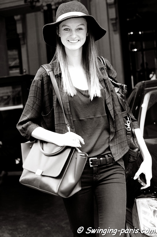 Andie Arthur outside Ingrid Vlasov show, Paris S/S 2012 Fashion Week, September 2011