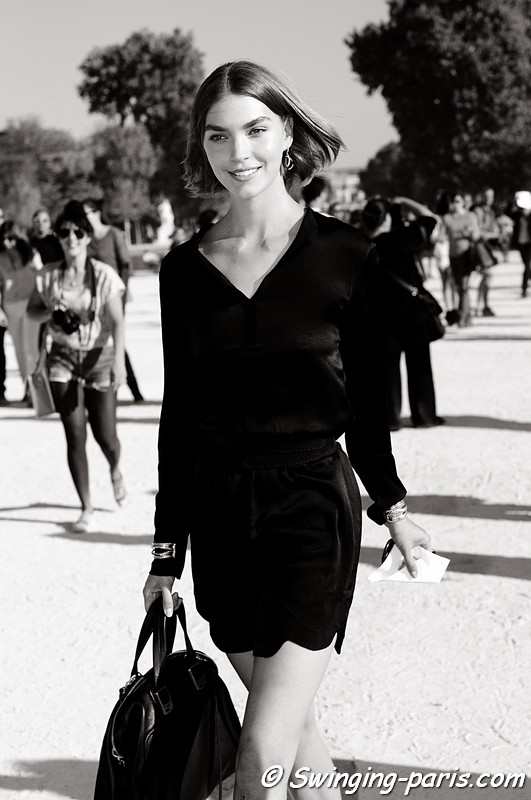 Arizona Muse outside Chloé show, Paris S/S 2012 Fashion Week, October 2011
