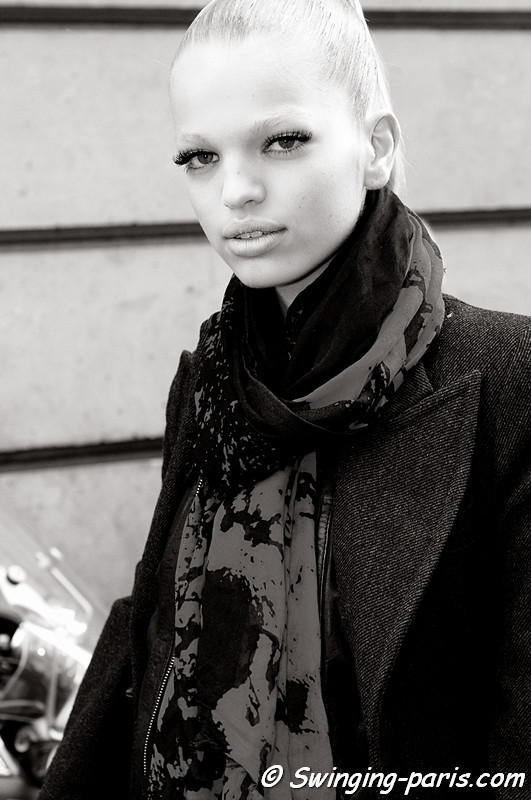 Daphne Groeneveld outside Emanuel Ungaro show, Paris Fashion Week, March 2011