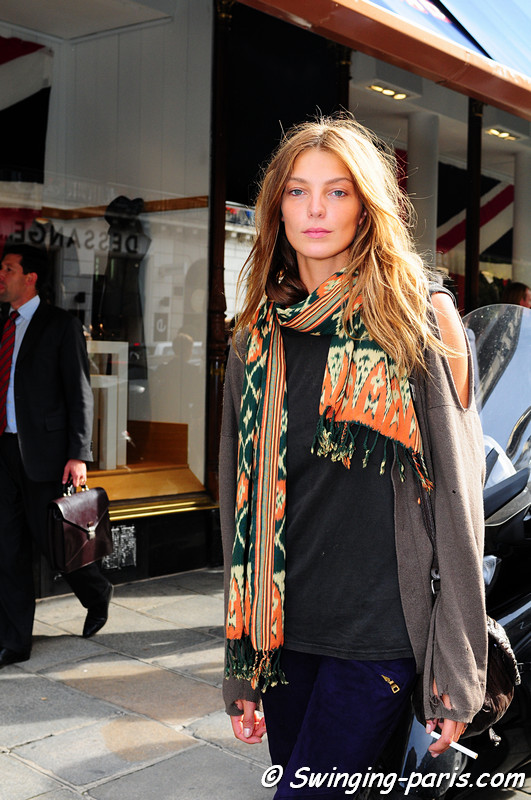 The Canadian Ukrainian model, Daria Werbowy, leaving Balmain Show