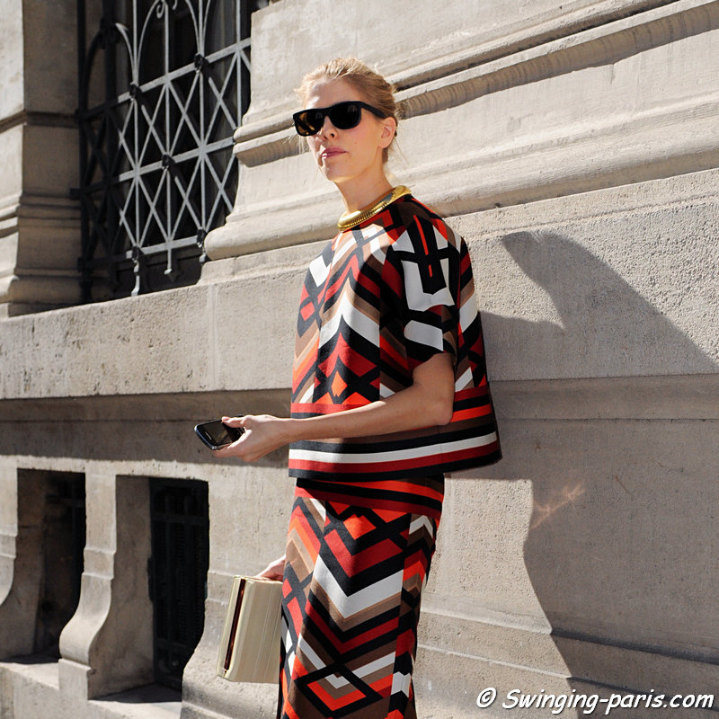 Elena Perminova (Елена Перминова) leaving Giambattista Valli show, Paris S/S 2013 RtW Fashion Week, October 2012