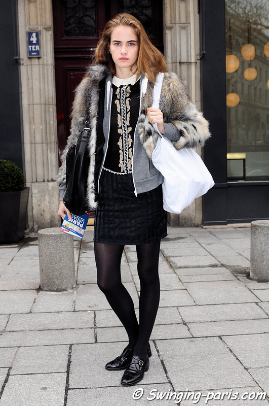 Elinor Weedon outside Atsuro Tayama show, Paris F/W 2013 RtW Fashion Week, February 2013