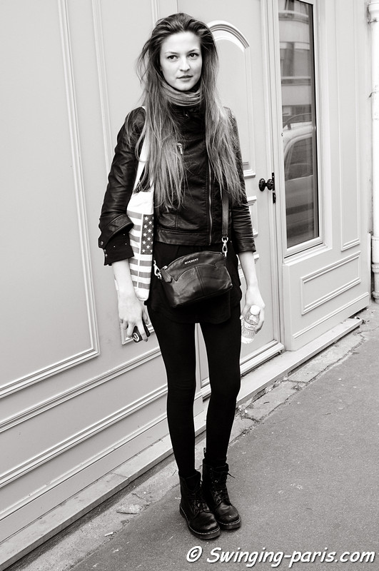 Emeline Ghesquiere leaving Bouchra Jarrar show, Paris Haute Couture S/S 2012 Fashion Week, January 2012