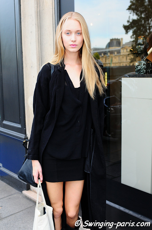 Emma Åhlund outside Corrado de Biase show, Paris S/S 2012 Fashion Week, September 2011