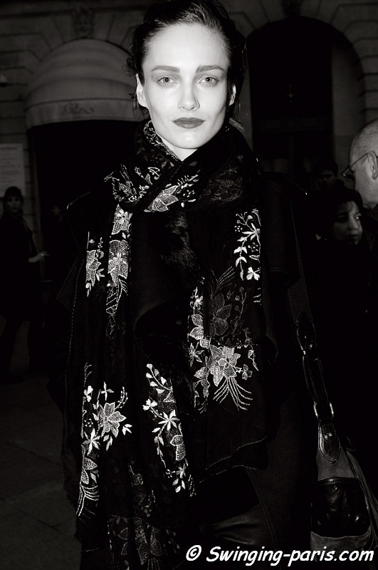Karmen Pedaru outside Hakaan show, Paris March 2011