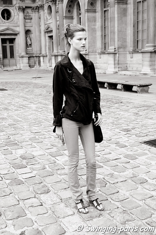 Kasia Struss outside Louis Vuitton show, Paris S/S 2012 Fashion Week, October 2011