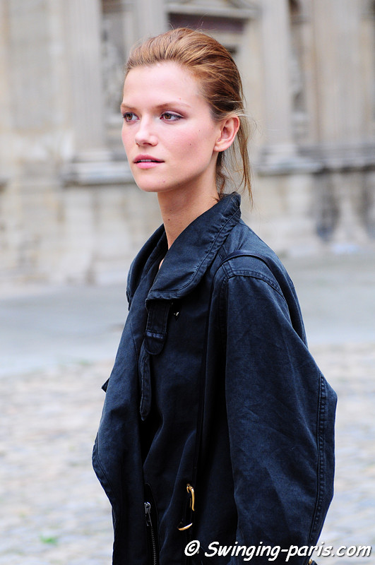 Kasia Struss outside Louis Vuitton show, Paris S/S 2012 Fashion Week, October 2011
