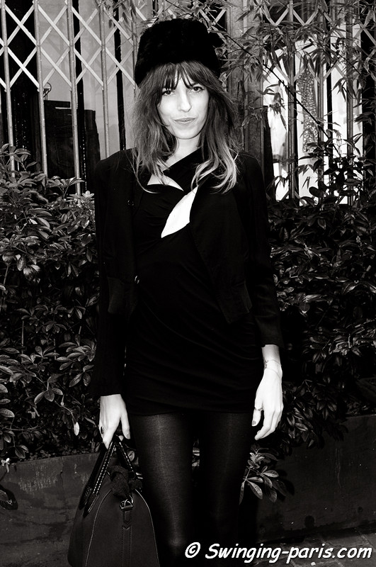 Lou Doillon before Anthony Vaccarello show, Paris March 2011