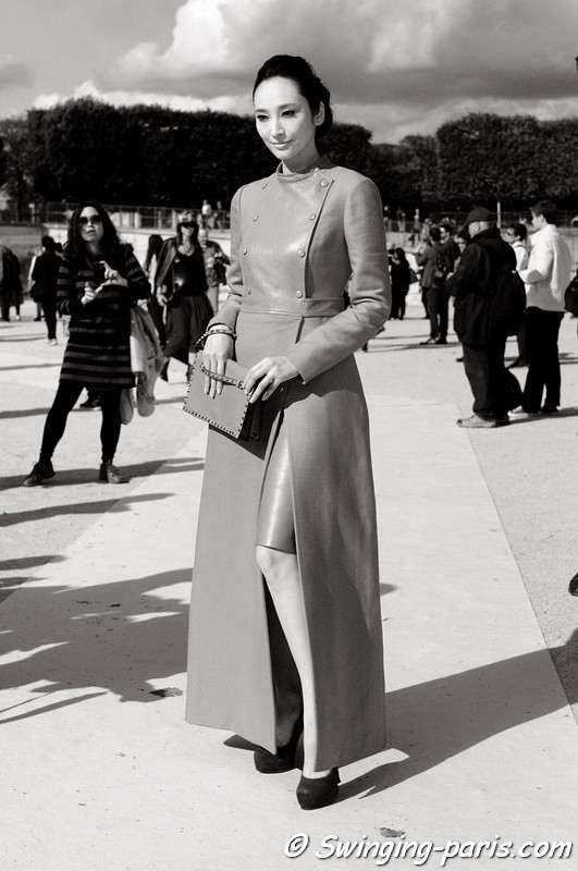 Pace Wu (吴佩慈, 吳佩慈) before Valentino show, Paris S/S 2013 RtW Fashion Week, October 2012
