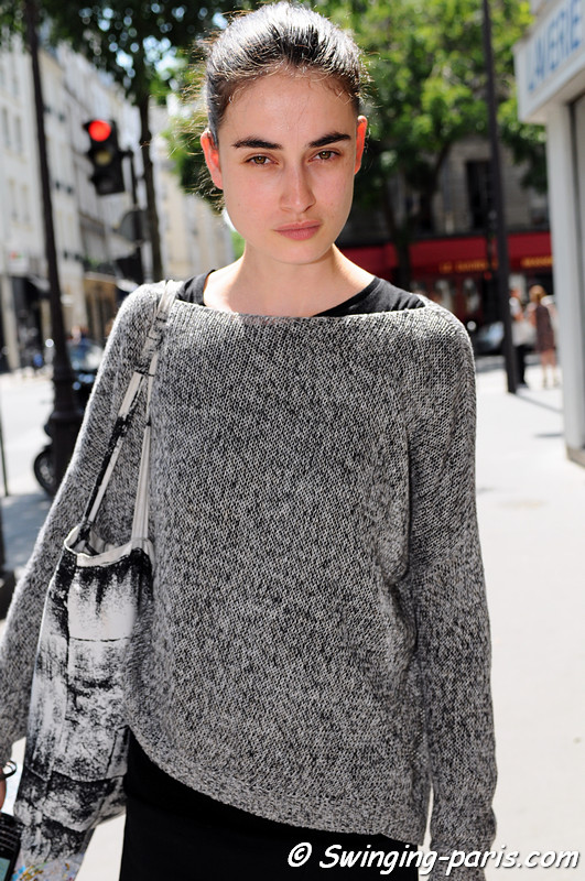 Pauline van der Cruysse leaving Yiqing Yin show, Paris Haute Couture F/W 2012 Fashion Week, July 2012