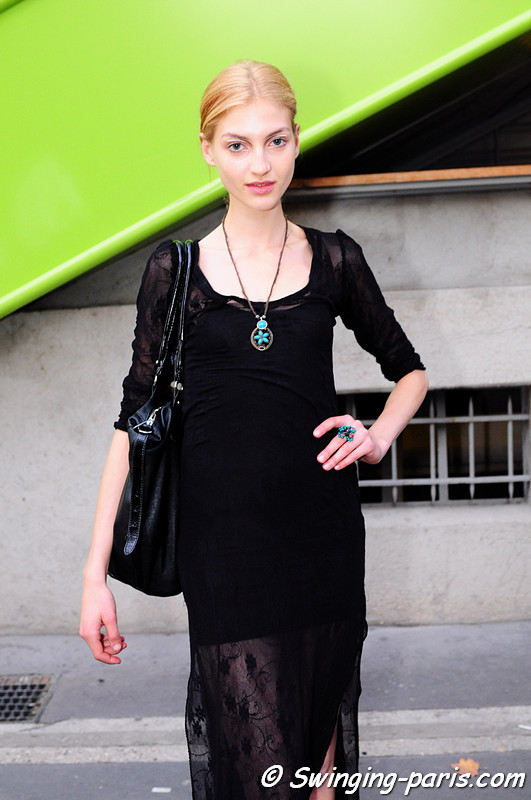 Simona Andrejic outside Commuun show, Paris S/S 2012 Fashion Week, September 2011