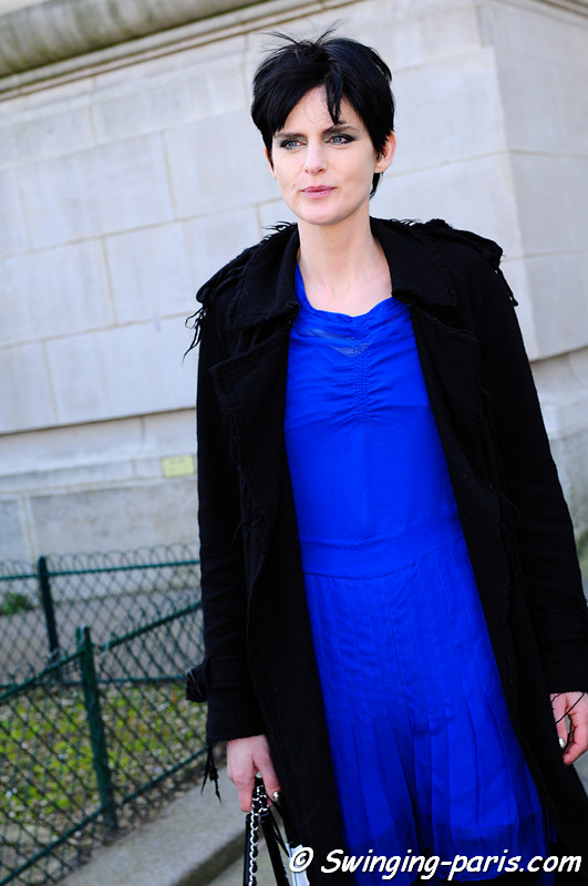 Stella Tennant outside Chanel show, Paris Fashion Week, March 2011