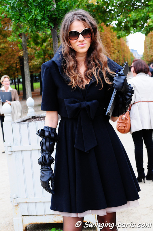 Woman before an Elie Saab show